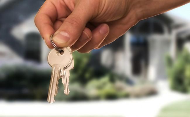 keys and hand